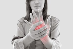 手や腕の痛み